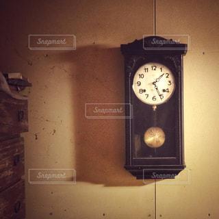 振り子時計の写真・画像素材[2361217]