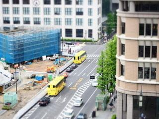 にぎやかな街の通りの写真・画像素材[2316336]