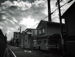 自転車に乗る女の子の写真・画像素材[2317072]