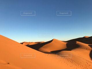 サハラ砂漠の写真・画像素材[2322771]