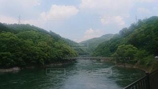 宇治川にかかる天ヶ瀬吊り橋の写真・画像素材[2325321]