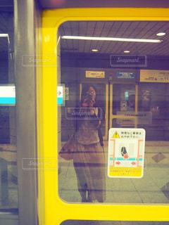 電車待ちの写真・画像素材[2336463]