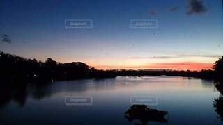 ヤップ島の夜明けの写真・画像素材[2363556]