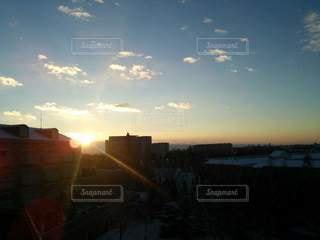 日没時の街の眺めの写真・画像素材[2327652]