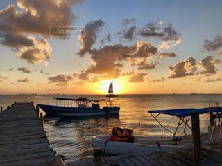 カリブ海の夕日の写真・画像素材[2328083]