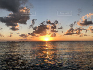 カリブ海の夕日の写真・画像素材[2328160]