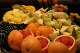 皿の上のオレンジのボウル - No.755655