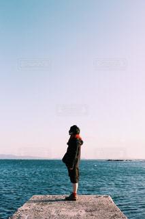 横向きの女の子の写真・画像素材[971124]