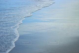 波打ち際の写真・画像素材[3658340]