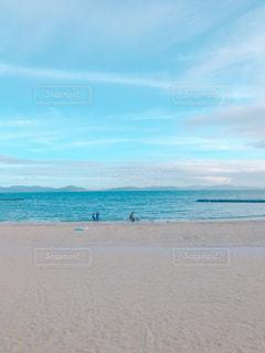 海に隣接する砂浜の写真・画像素材[2331955]