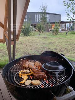 グリルの食べ物のクローズアップの写真・画像素材[2335738]