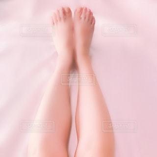 足のクローズドアップの写真・画像素材[2337533]