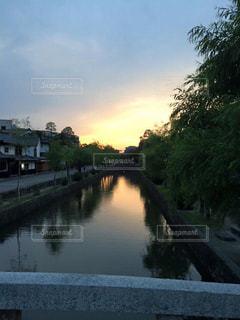 倉敷の美観地区の夕日の写真・画像素材[2332994]