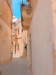 ヨーロッパの古い街の写真・画像素材[2343444]