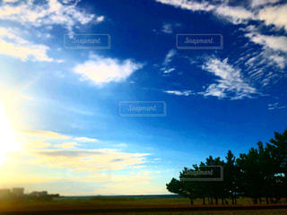 空の雲の写真・画像素材[2444404]