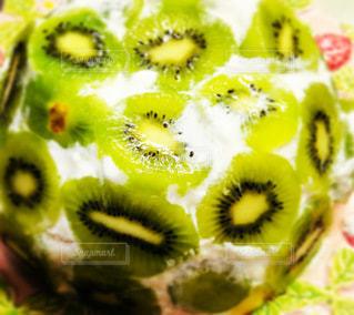 キウイのヨーグルトケーキの写真・画像素材[3456737]