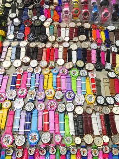 敷き詰められた腕時計の写真・画像素材[2488987]