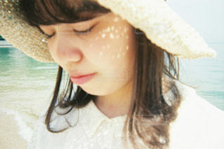 帽子をかぶった女性の写真・画像素材[2743202]