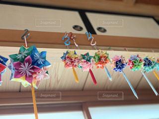 飾られた花くす玉の写真・画像素材[2367541]