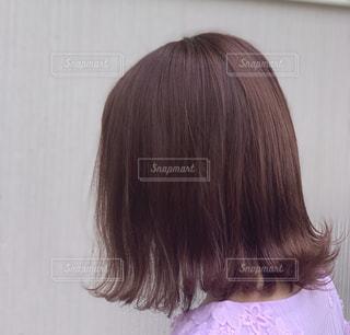 ピンクの髪の女の子の写真・画像素材[2371442]