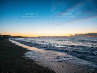 夜明け前のサザンビーチの写真・画像素材[4000983]