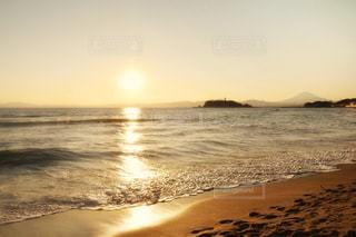 海に隣接する砂浜の写真・画像素材[2446993]