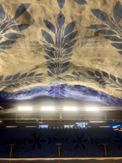 ストックホルム駅の天井アートの写真・画像素材[2347448]