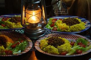 食べ物でいっぱいのテーブルの写真・画像素材[2363653]