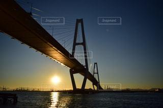 水域に架かる橋の閉鎖の写真・画像素材[2348953]