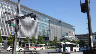 街路のバスの写真・画像素材[2354690]