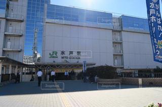 大きな白い建物の写真・画像素材[2354816]
