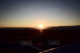 セントレア空港の夕日の写真・画像素材[2370707]