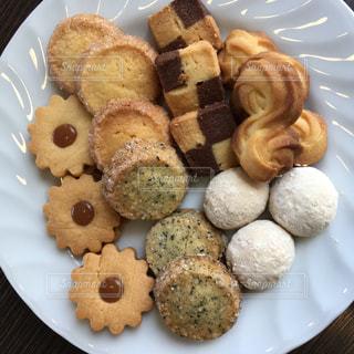 食べ物の皿 クッキーの写真・画像素材[2347194]
