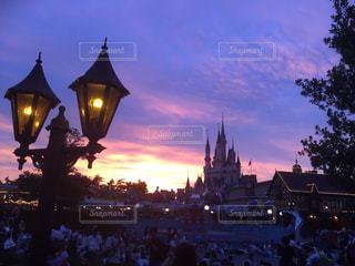 夜の街の眺めの写真・画像素材[2501531]