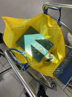 黄色い袋の写真・画像素材[2937339]