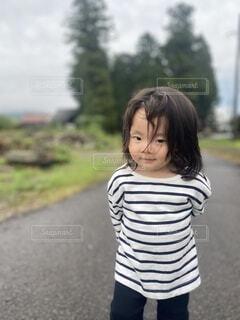 お散歩1歳の写真・画像素材[3780986]