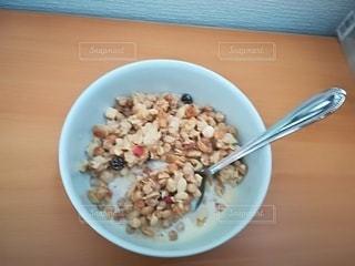 朝食(シリアル)の写真・画像素材[2512037]