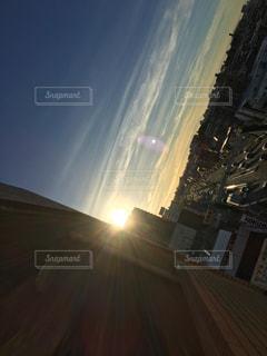 夕方の街の眺めの写真・画像素材[2351513]