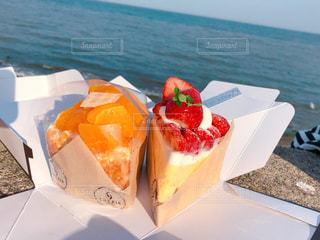海とケーキの写真・画像素材[2353980]