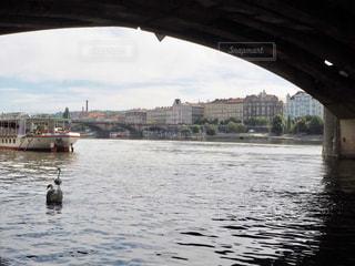 水域に架かる橋の写真・画像素材[2373047]
