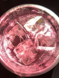 ガラスのボウルのクローズアップの写真・画像素材[2357991]