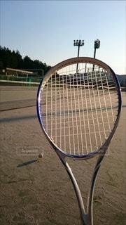 ラケットとボールの写真・画像素材[2372706]