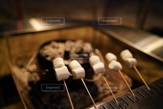 焼きマシュマロの写真・画像素材[2355662]