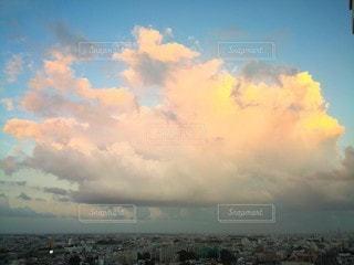 街と雲の写真・画像素材[2360795]