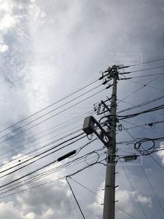 空と電信柱の写真・画像素材[2385125]