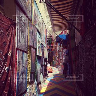 モロッコのお土産通りの写真・画像素材[2359388]