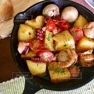 食べ物のボウルの写真・画像素材[2553494]