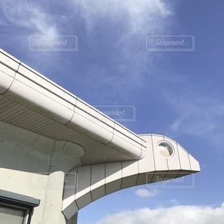 鳥の建物の写真・画像素材[2505438]