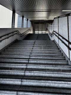 駅の階段の写真・画像素材[2860877]
