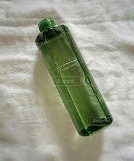 化粧水のボトルの写真・画像素材[2942189]